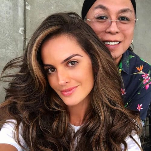 Izabel Goulart brown hair with blonde highlights