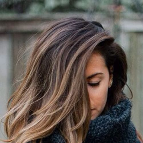 shoulder length hair and a natural blonde ombre brown hair with blonde highlights