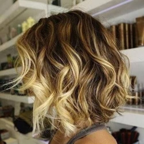 wavy bob brown hair with blonde highlights