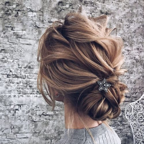 messy bun wedding updos