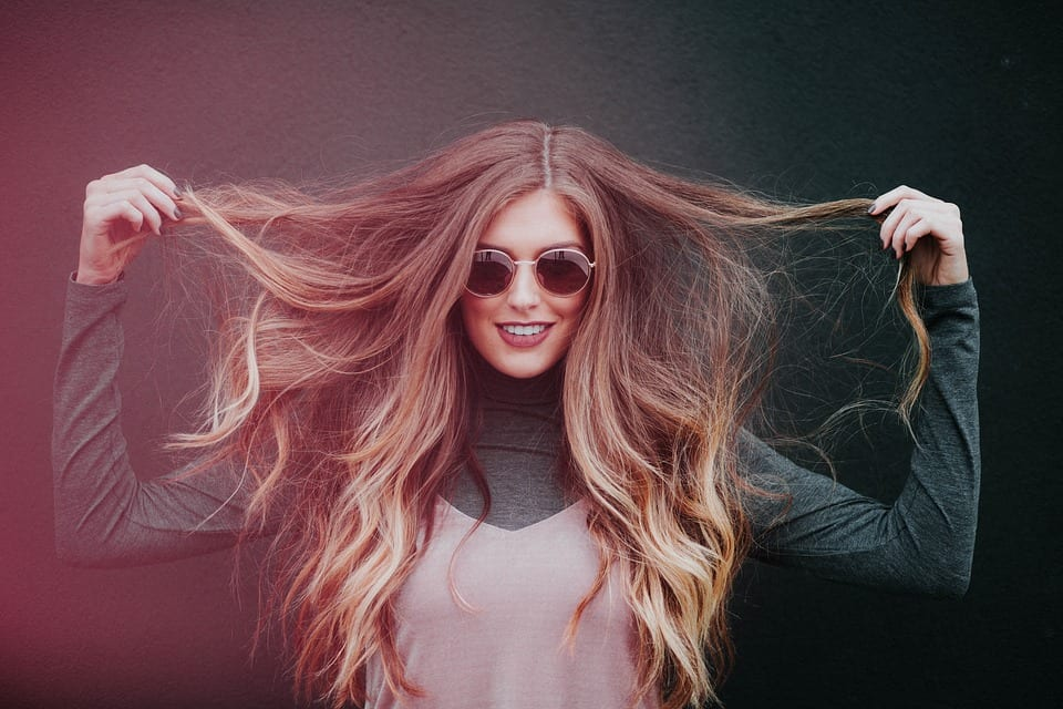 woman with split ends hair